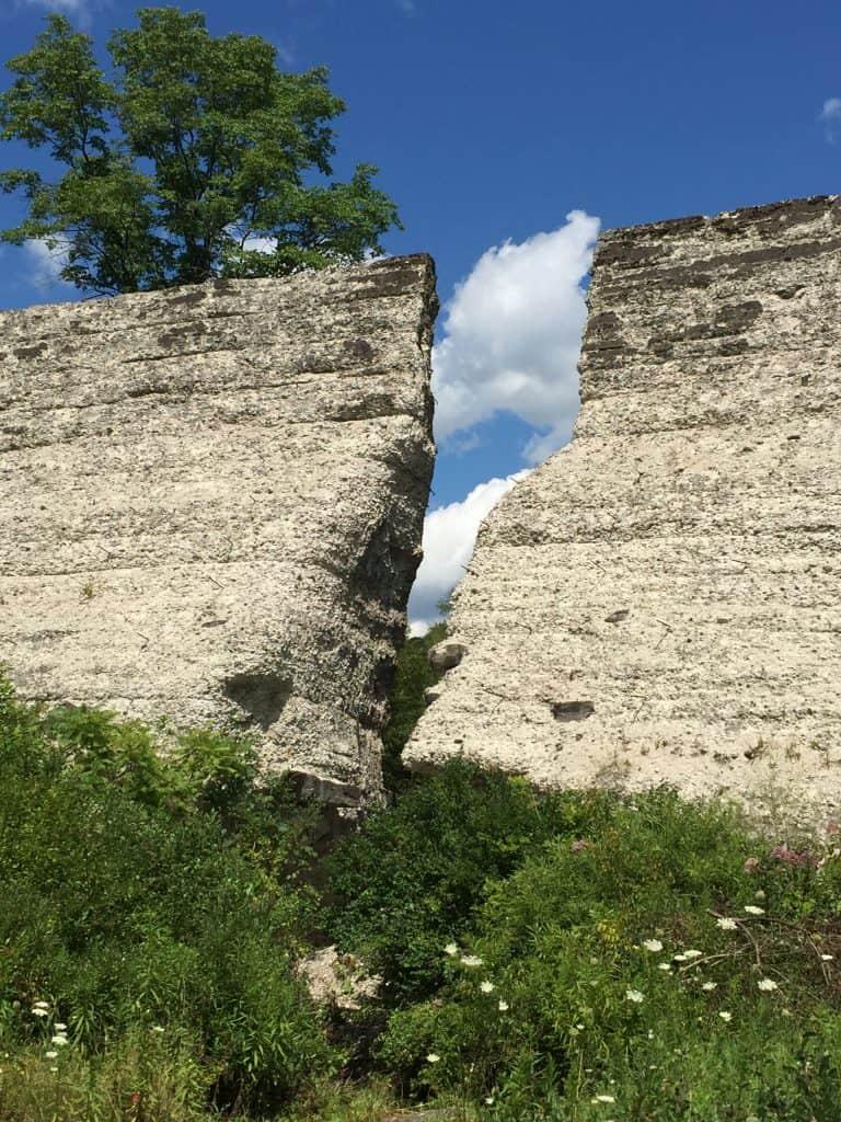 Austin Dam PA vertical crack