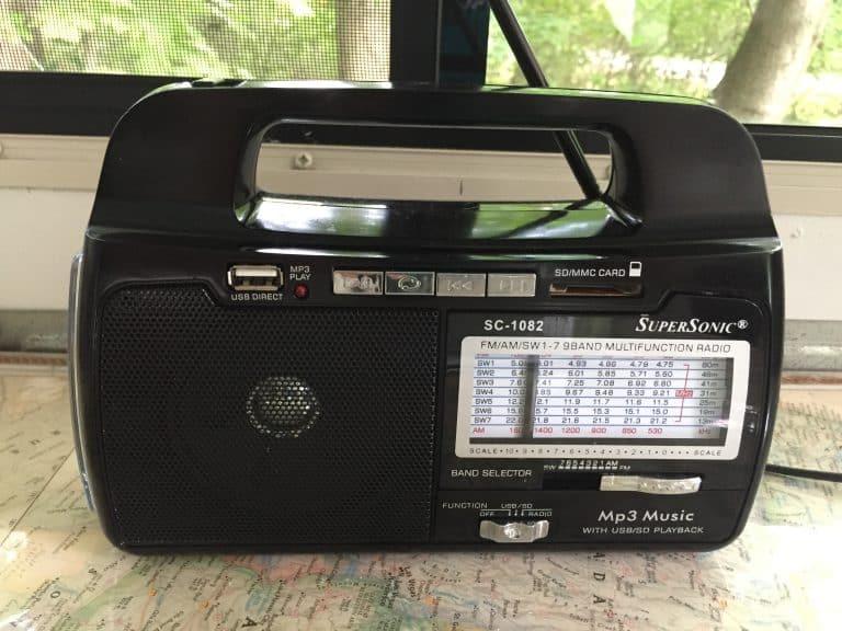 Supersonic SC1082 Portable Radio Close Up