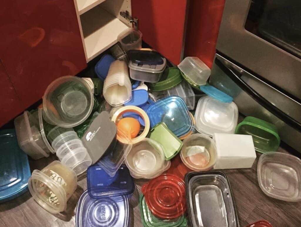 uni-lid for tupperware